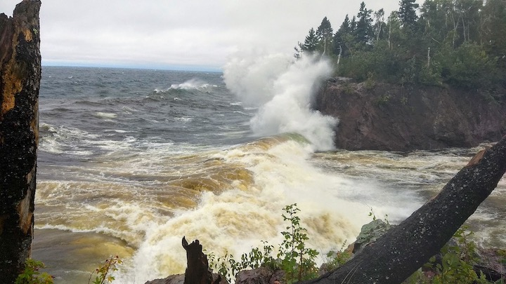 waves on superior